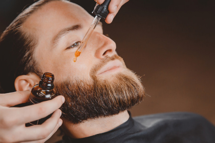 Analyse Bartwuchs mit Wimpernserum Inhaltsstoffen